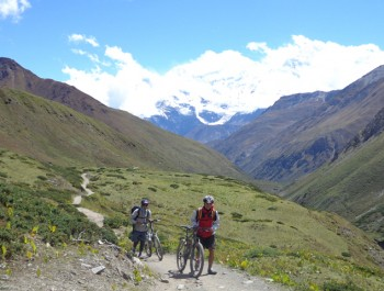 Annapurna circuit bike tour